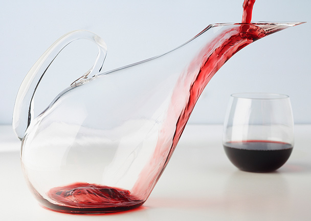 should-you-decant-wine_608